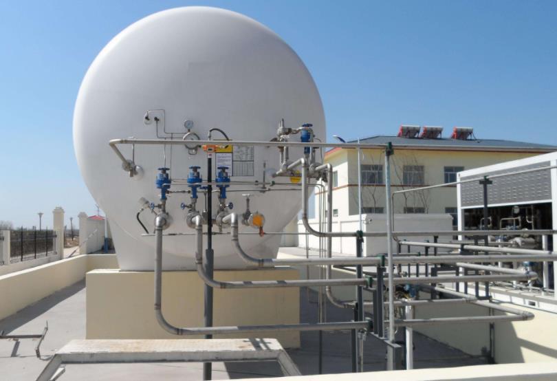 新疆LNG储气罐
